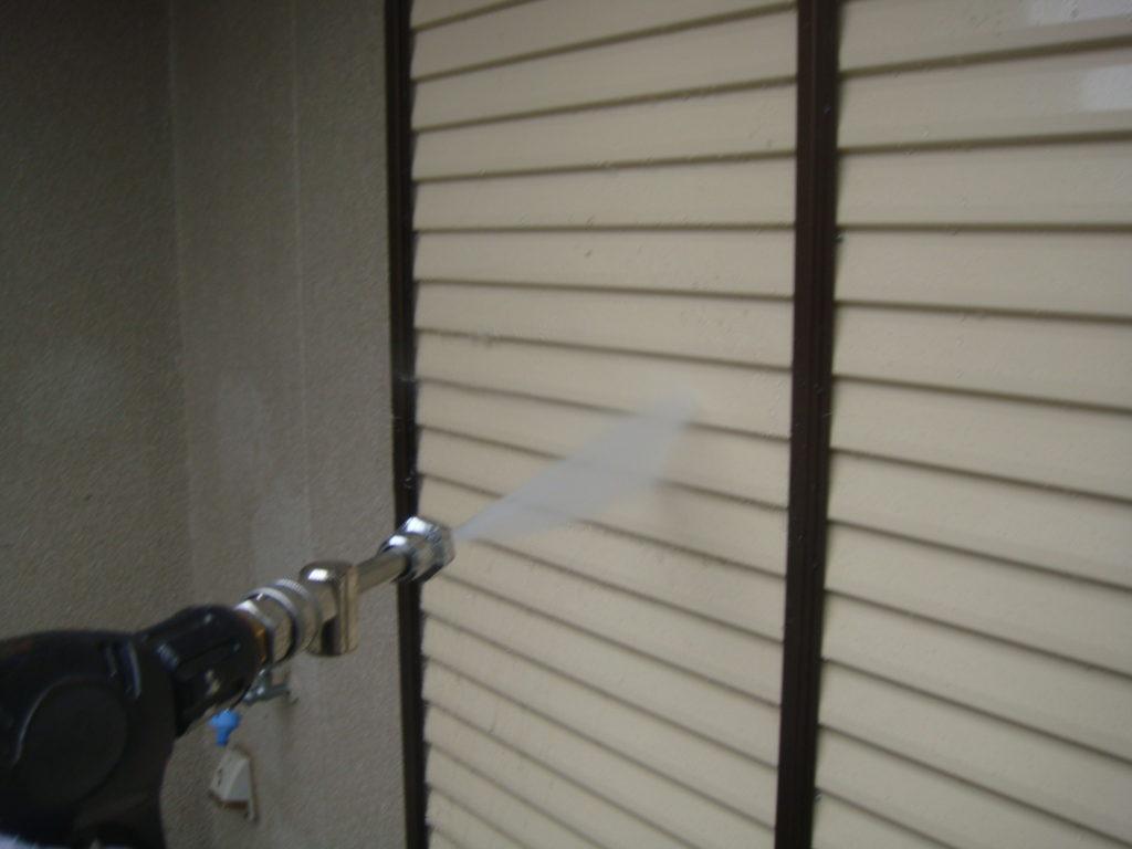 千葉市原市の外壁塗装のお客様雨戸洗浄